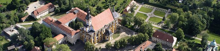 Kloster aus der Luft